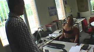 SEXY SECRETARY FUCKS BOSS