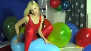 Zlata: Balloon Sit-Popping