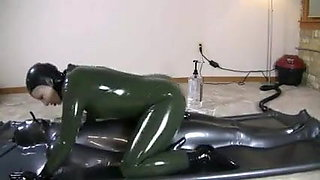 Latex vacuum bed fuck