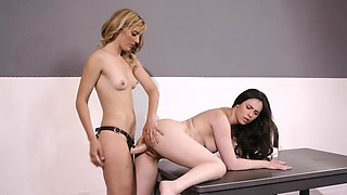 Lesbian teacher seduces coed and stretches her pussy with strapon