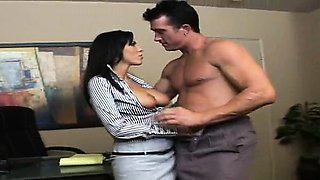 Boss lady gets licked and gives a sizzling orall-service