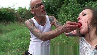 brutaler sadist bestraft unterwuerfige milf
