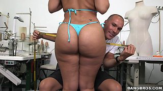selena adams and aaliyah grey get to the back room for a custom fit