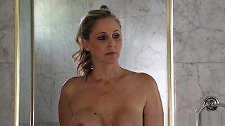 Brazzers - Milfs Like It Big - Julia Ann Mand