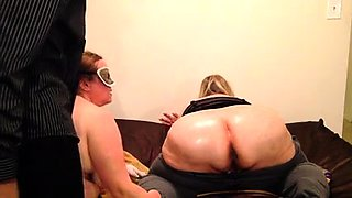 Curvy mature wife has her lesbian lover fisting her snatch