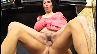 GERMAN GRANNY MAID FUCKS WITH YOUNG GUY