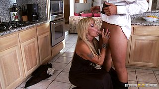 She Needs A Fucking Help In The Kitchen