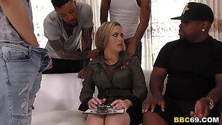 I Am Not That Kind Of Mom, I'm Married! - Carmen Valentina
