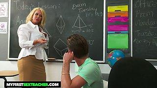 Smoking hot juggy teacher Alura TNT Jenson bangs her favorite student