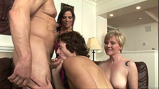 Bisexuals Wife swapping