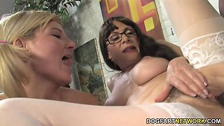 Alexandra Silk Teaches Her Daughter Casey Cumz
