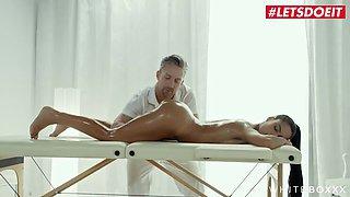 True Eurobabe Apolonia Lapiedra  s Massage Table XXX