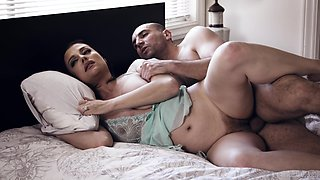 Sleeping housewife Sovereign Syre is waken up with boner cock penetrating her twat