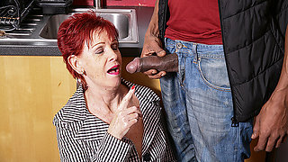 Naughty British Mature Lady Gets A Big Hard Black Cock To Please Her - MatureNL