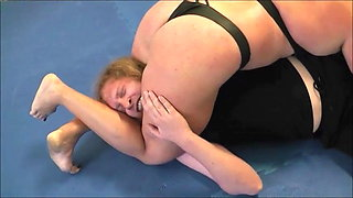 Mixed Wrestling – Female Muscle Power