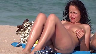 Open Pussy At The Beach