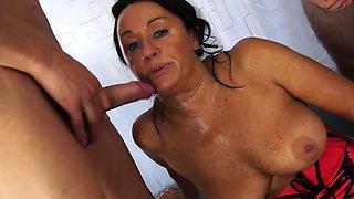 Scambisti Maturi - Italian foursome with mature anal Laura
