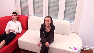 Pale sweetheart Vero Rubí has a blast with a monster rod
