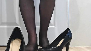 Fat sissy crossdresser in stockings and heels cums for Holly