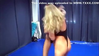 Sexy Swimsuit Wrestling
