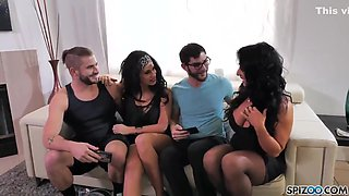 The Party Family - Savana Styles And Raven Hart