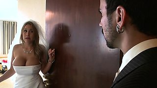Gorgeous tattooed playgirl gets down and gives boss blow job