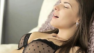 Sex-starved russian gf fucked and licked
