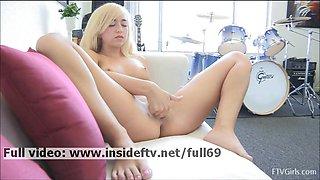 Jayde _ Amateur blonde fingering her pussy hard to orgasm