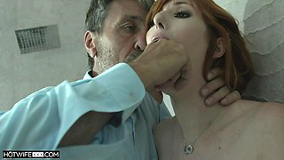 Sex from behind is the favorite sex pose of passionate Lauren Phillips