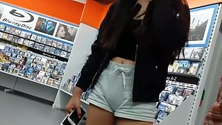 Asian teen cameltoe