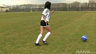 Solo model Lexy Little drops her uniform to pleasure her clit