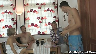 She jumps on her BF\'s daddy cock