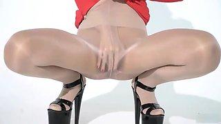 Shinny pantyhose racequeen