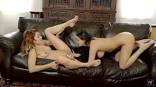 Having flashed titties lesbian Sofi Ryan lures girl to lick her wet pussy