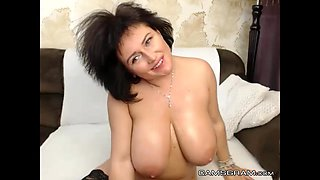 Amazing Milfy Cammodel Loves Hot Shows On Webcam