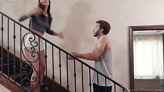 Always fighting stepbrother and stepsister enjoy having crazy quickie