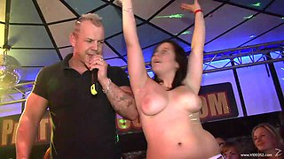 Drunk Babes Blow Horny Strippers