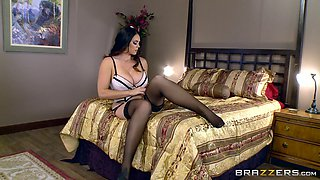 Cheating slut on the phone with her hubby as she gets fucked