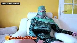 Muslim aunty masturbating