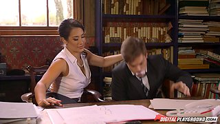 Stunning Eva Lovia agrees to be penetrated in the office