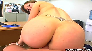 Destiny Porter gets to the wrong room and fucked