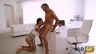 OLD4K. Old boss and slim secretary relax with a quickie after work