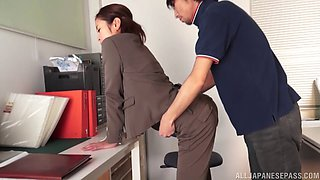 Japanese businesswoman gets cum in her mouth in the office