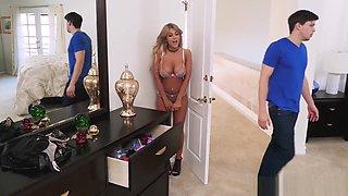 Cheating bimbo Kayla Kayden snatches her sister's boyfriend