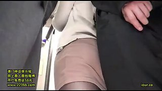 Dressed in a black pantyhose ol molested in a crowded bus 6