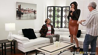 Oiled cougar Becky Bandini pleasured by a younger gentleman