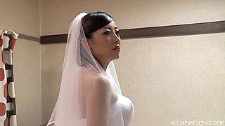 Japanese bride Tanihara Yuki enjoys riding a dick and gets a facial