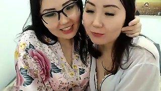 Amateur webcam asian girl