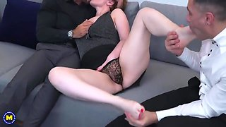 French mature is having a casual threesome with friends, while her husband is on his way home
