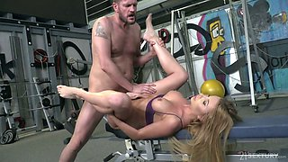 Blonde Marilyn Crystal gets her pussy and anus fucked at the gym